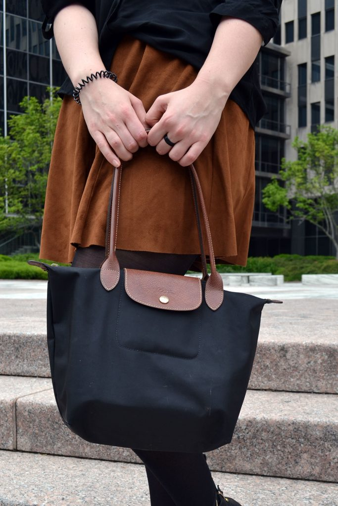 Outfit: Faux Suede Leather Skirt // Chelsea Boots | New York - Fake Leather Skirt 4 683x1024