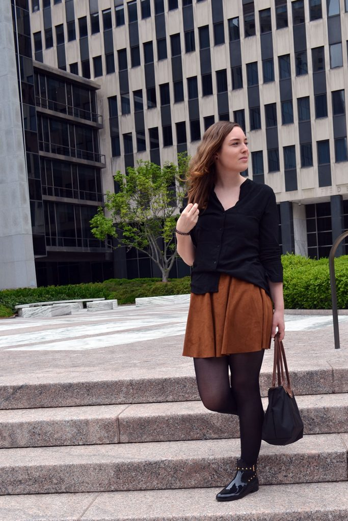Outfit: Faux Suede Leather Skirt // Chelsea Boots | New York - Fake Leather Skirt C 683x1024