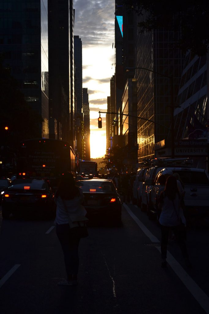 Manhattan Henge // New York - Manhattan Henge 2 683x1024