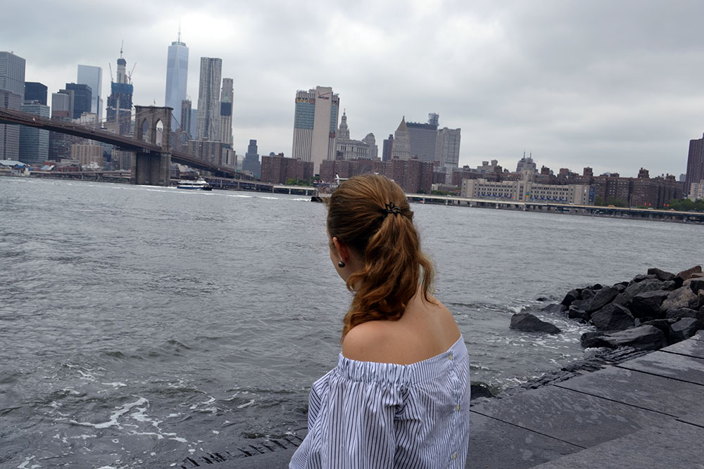 Abschied aus New York - Off Shoulder