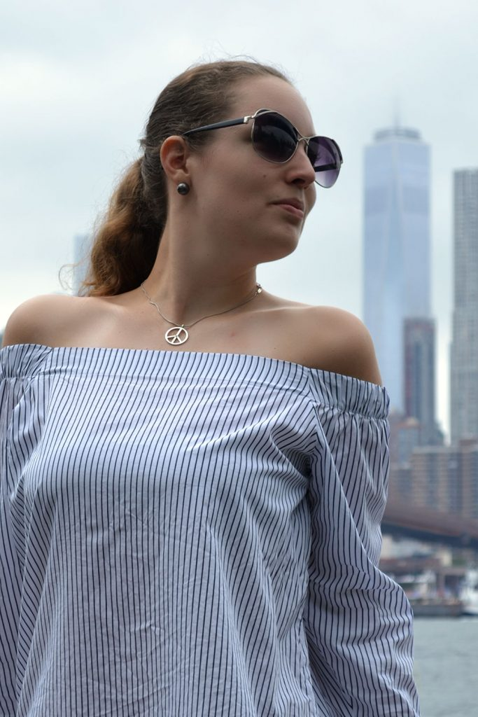 Outfit: Off-Shoulder Blouse // Banana Republic | New York - Off Shoulder 2 683x1024