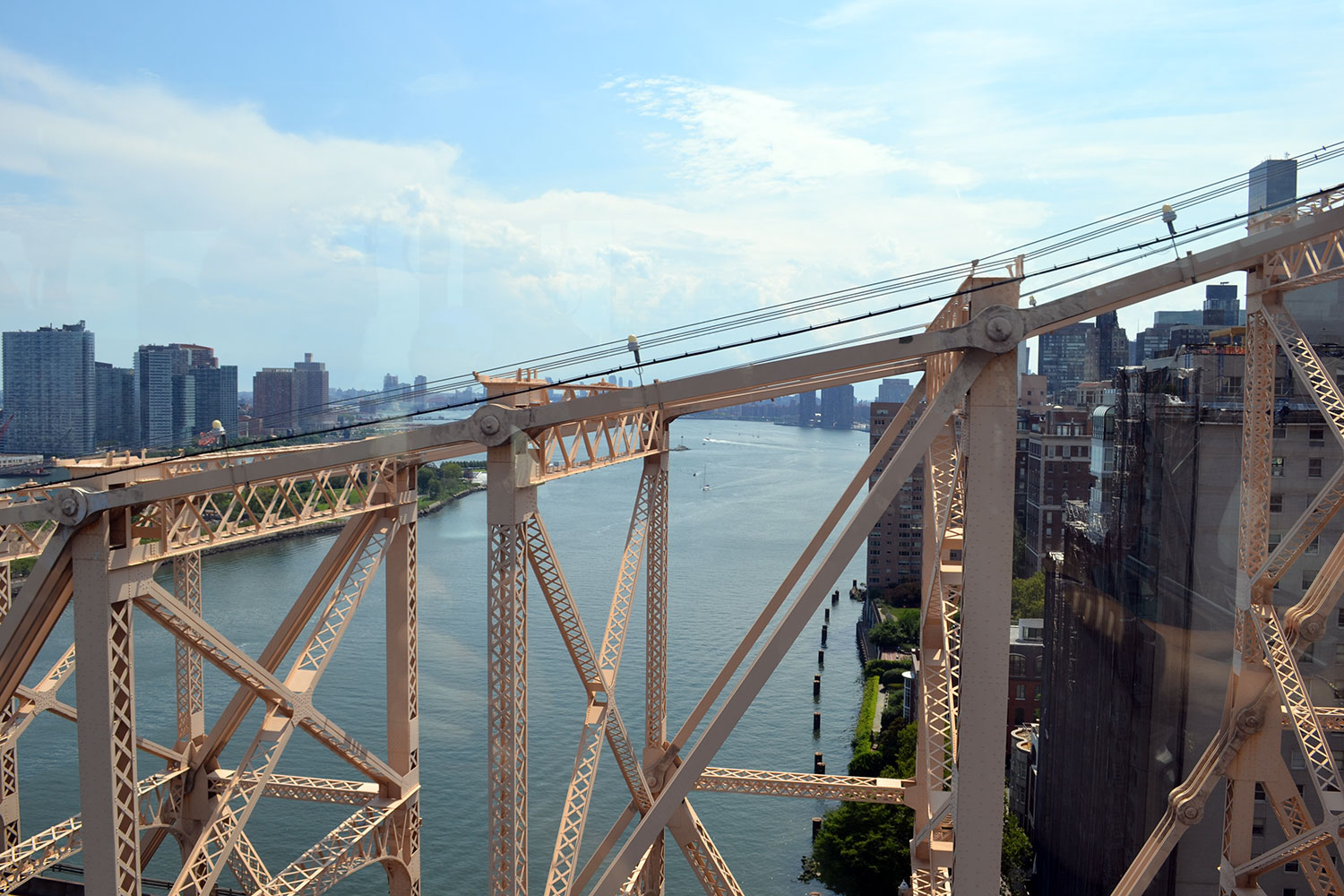 Travel Tip: Roosevelt Island & Tram // New York City - Roosevelt Island 7
