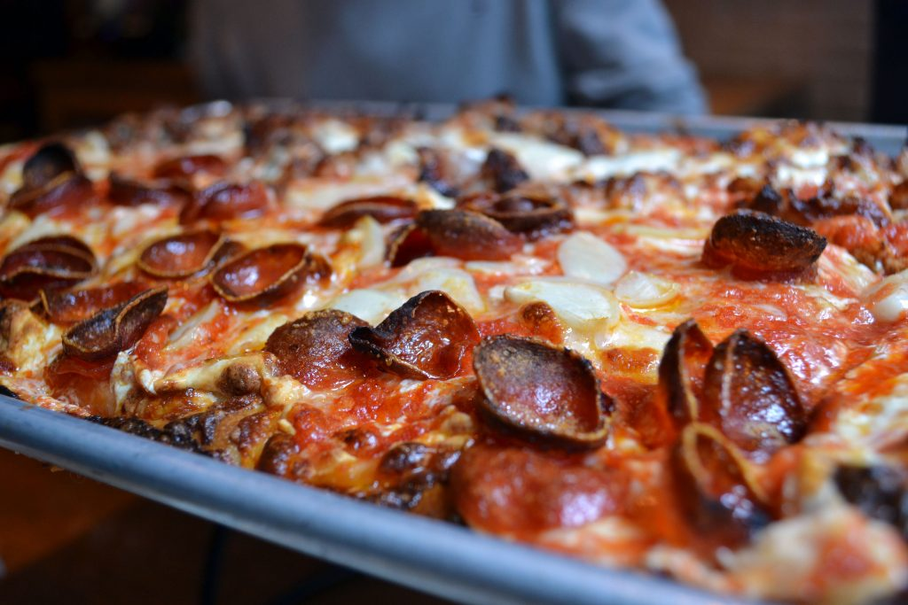 New York Food Guide: Meine Lieblingsrestaurants in NYC - Adriennes Pizza 1 1024x683