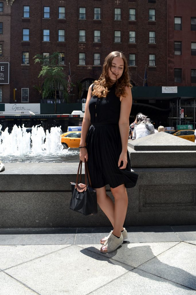 Outfit: Plisse Skirt & Adidas Superstar Metal Toes | New York - Plisse Rock 7 683x1024