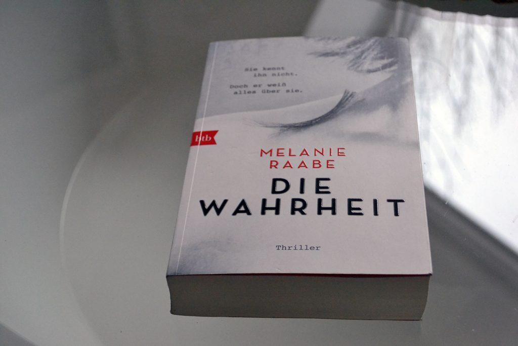 Books: Die Wahrheit | Melanie Raabe - Die Wahrheit 1024x683