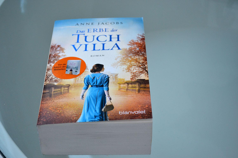 Books: Das Erbe der Tuchvilla | Anne Jacobs