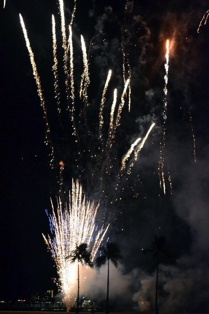Travel Diary: O'ahu | Hawaii Teil 2 - Feuerwerk 683x1024