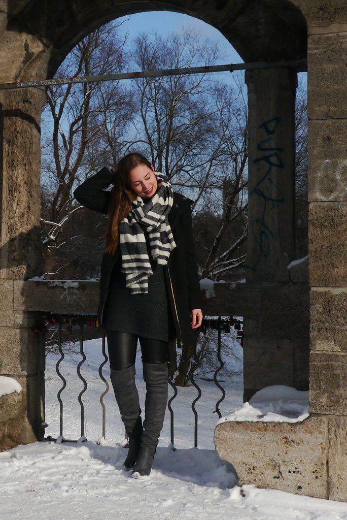 Outfit: Steve Madden Overknees // Oversized Knit | Munich - Steve Madden Overknees 4 684x1024