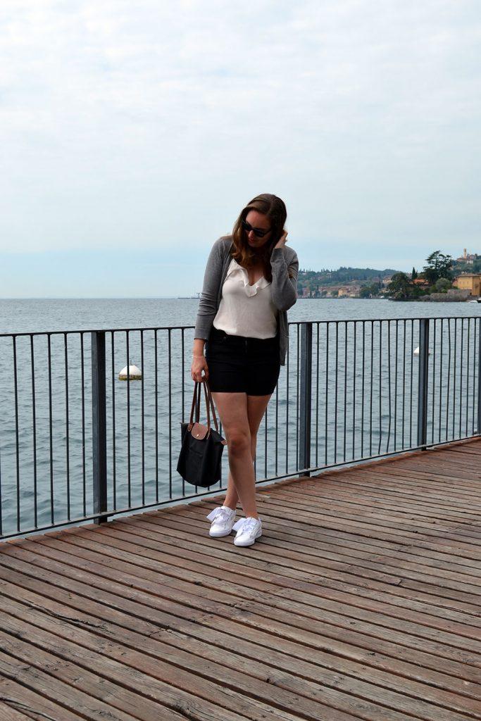 Outfit: Puma Basket Heart & Shorts | Gargnano - Puma Basket Heart 5 683x1024