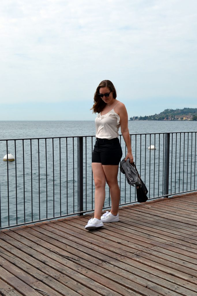Outfit: Puma Basket Heart & Shorts | Gargnano - Puma Basket Heart 6 683x1024