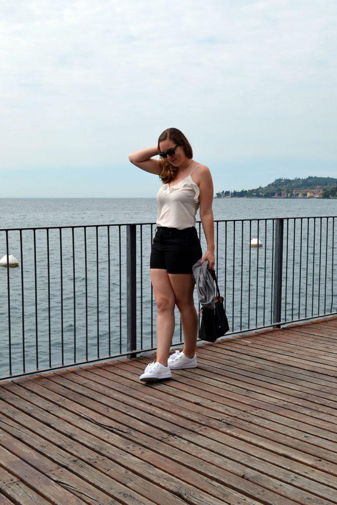 Outfit: Puma Basket Heart & Shorts | Gargnano - Puma Basket Heart 7 683x1024